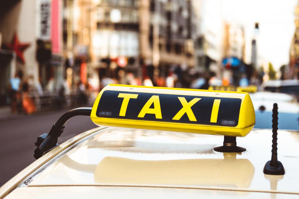 Таксі онлайн замовити недорого